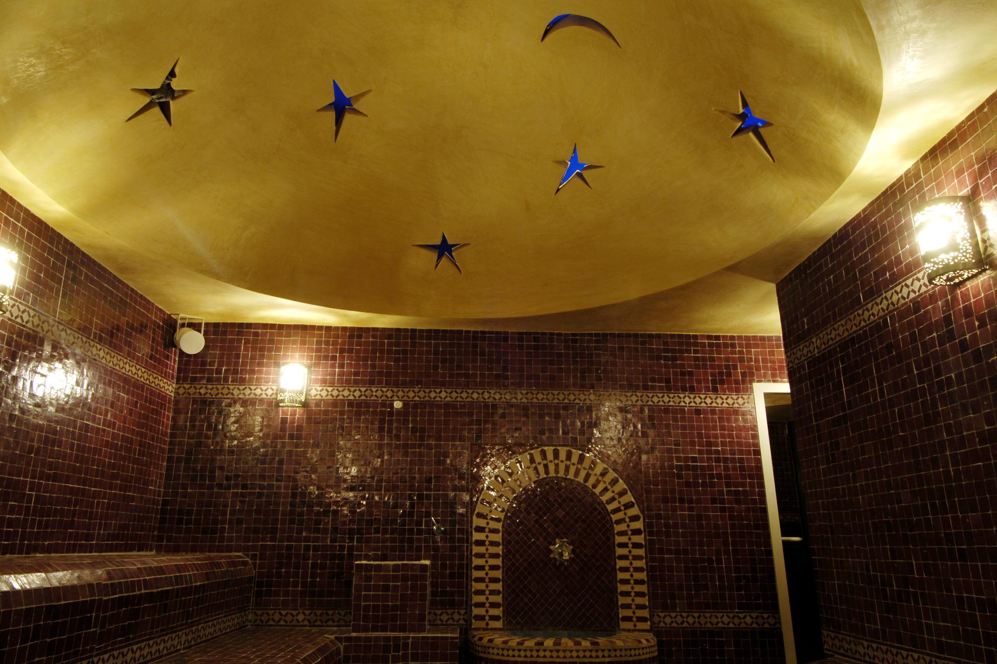 les vertus du hammam soin oriental bain de vapeur. Black Bedroom Furniture Sets. Home Design Ideas
